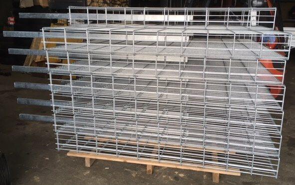 gabione-stabil-schwer-pfosten-innenliegend-geschweisst-kaufen-doppelstab-868 (6)