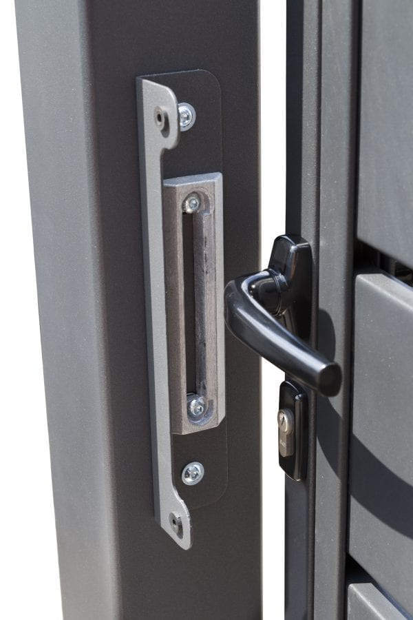 RS4109_boston-detail_03-designtor-metalltor-breite-lamellen