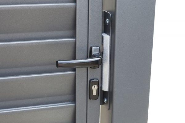 RS4124_miami-detail_04-designtor-metalltor-schmale-lamellen
