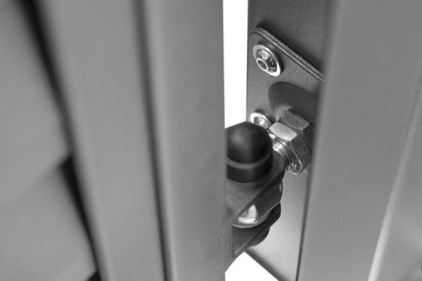 RS4162_miami-2fl-detail_02-designtor-metalltor-schmale-lamellen